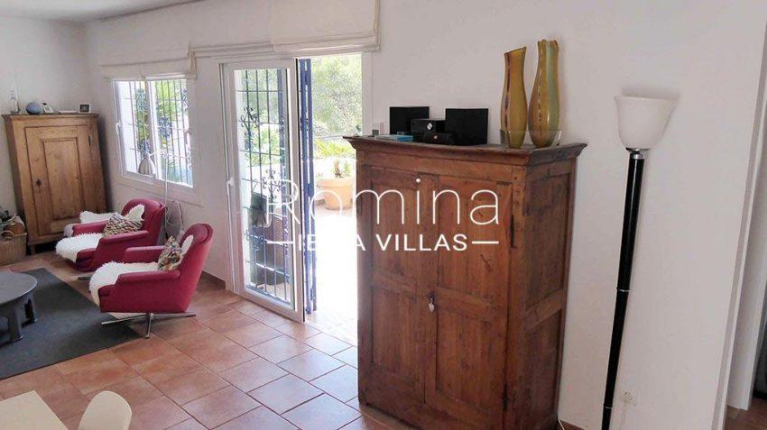 romina-ibiza-villas-rv881-30-casa-boj-3living room to terrace