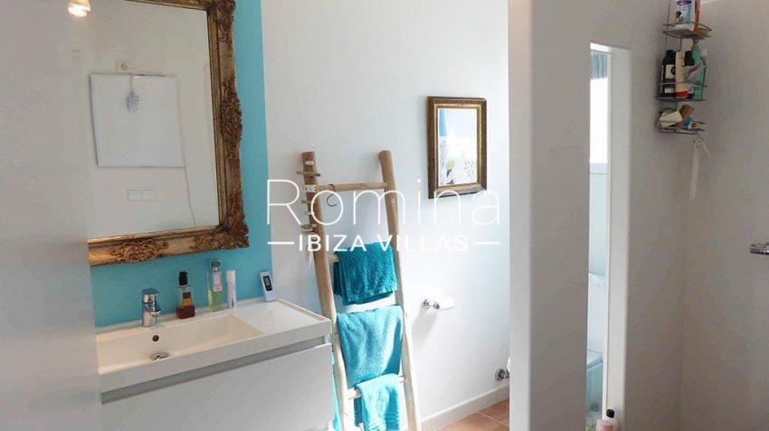 romina-ibiza-villas-rv881-30-casa-boj-5shower room