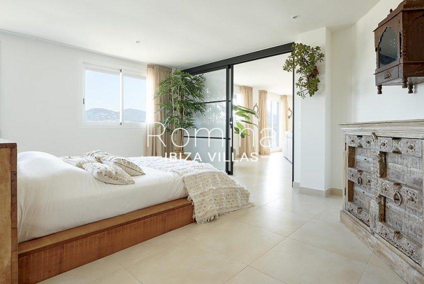 romina-ibiza-villa-rv-918-56-apto-paseo-marina-4bedroom1bis