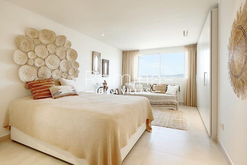 romina-ibiza-villa-rv-918-56-apto-paseo-marina-4bedroom2