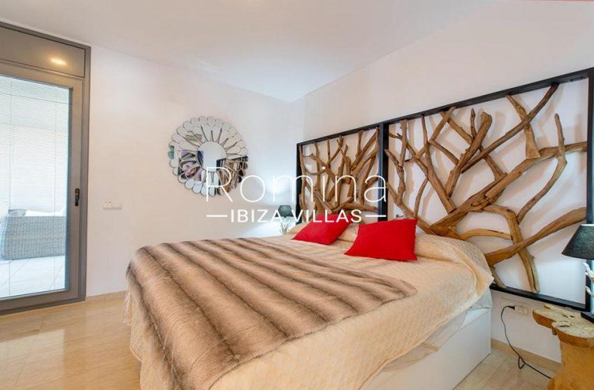 romina-ibiza-villas-rv-915-71-atido-paso-mar-4bedroom2