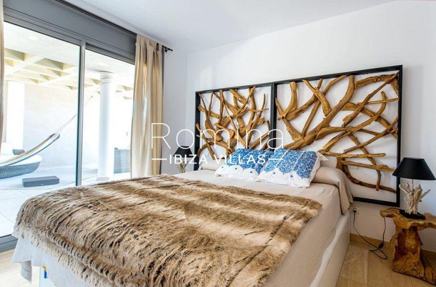 romina-ibiza-villas-rv-915-71-atido-paso-mar-4bedroom3