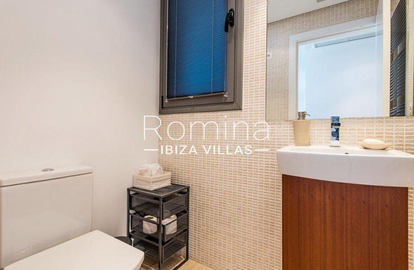 romina-ibiza-villas-rv-915-71-atido-paso-mar-5toilet