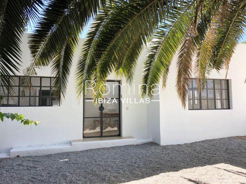 romina-ibiza-villas-rv-916-33-villa-es-paradis-2guest house entrance