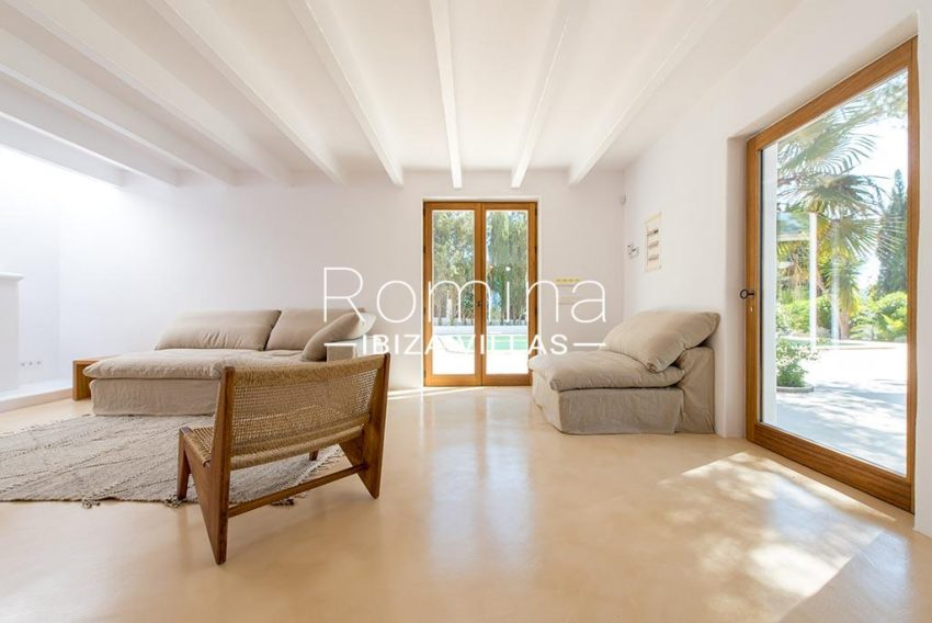 romina-ibiza-villas-rv-916-33-villa-es-paradis-3living room view pool main house
