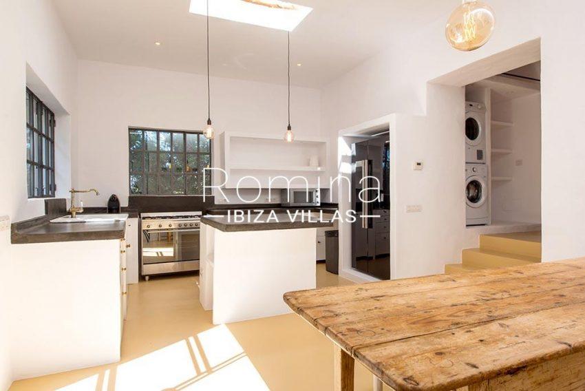romina-ibiza-villas-rv-916-33-villa-es-paradis-3zkitchen guest house