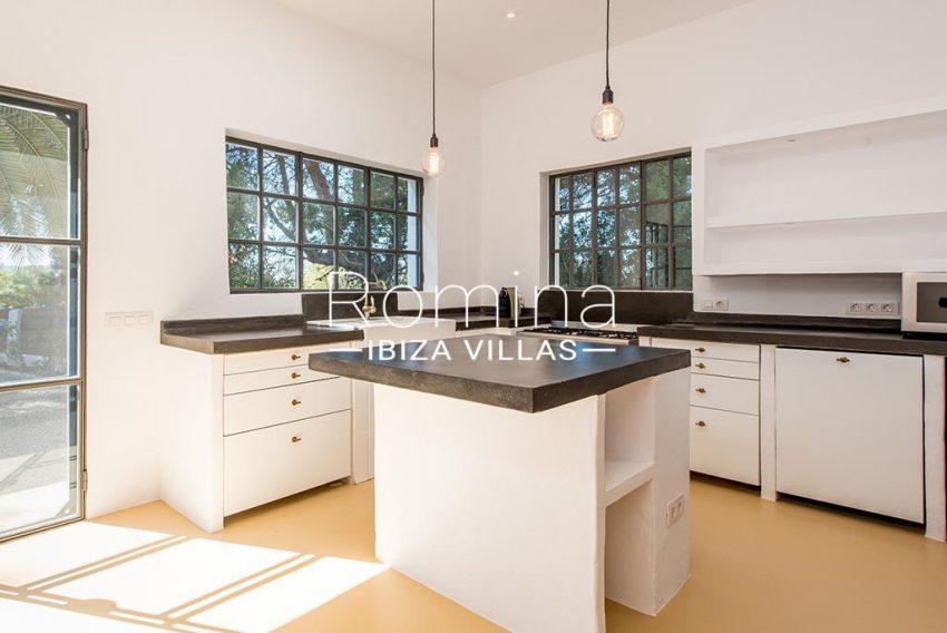 romina-ibiza-villas-rv-916-33-villa-es-paradis-3zkitchen guest house2