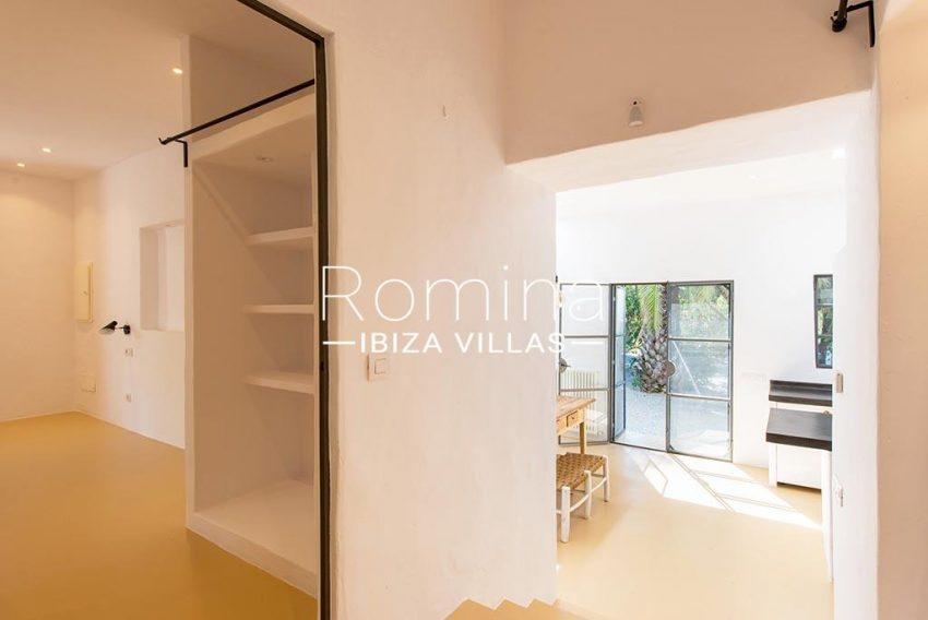 romina-ibiza-villas-rv-916-33-villa-es-paradis-3zkitchen guest house3