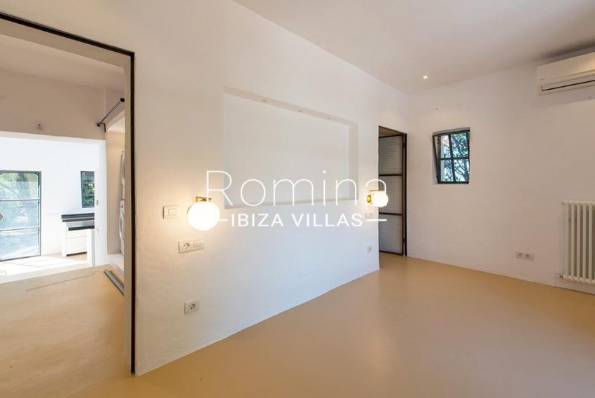 romina-ibiza-villas-rv-916-33-villa-es-paradis-4bedrrom guest house
