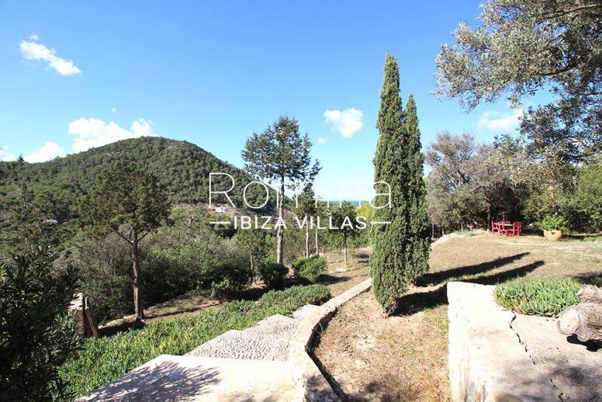 romina-ibiza-villas-rv-919-61-can-karolina-2garden