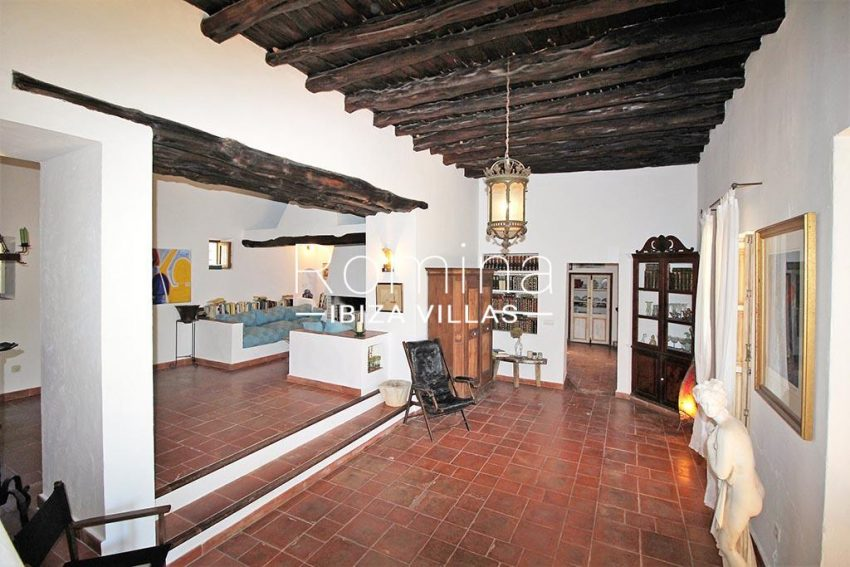 romina-ibiza-villas-rv-919-61-can-karolina-3living room3