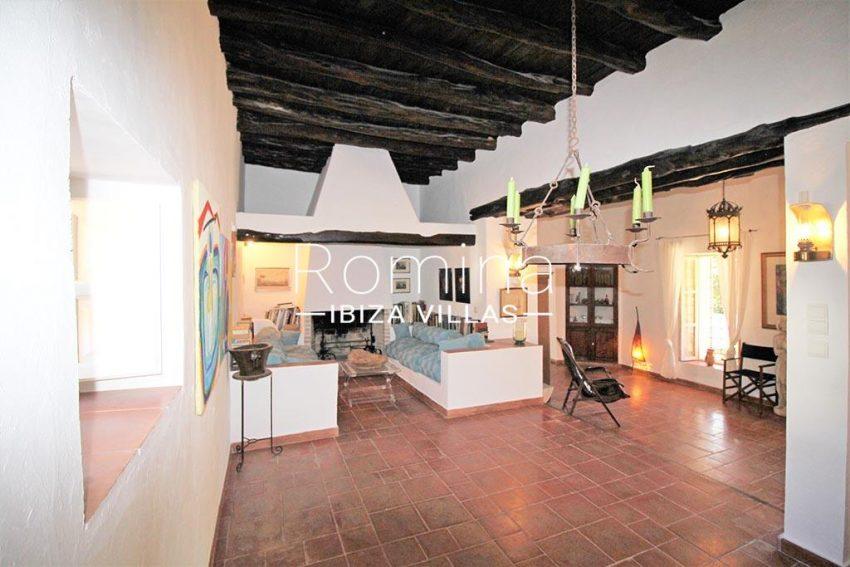 romina-ibiza-villas-rv-919-61-can-karolina-3living rooms