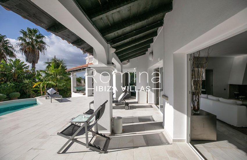romina-ibiza-villas-rv-920-22-2terrace pool