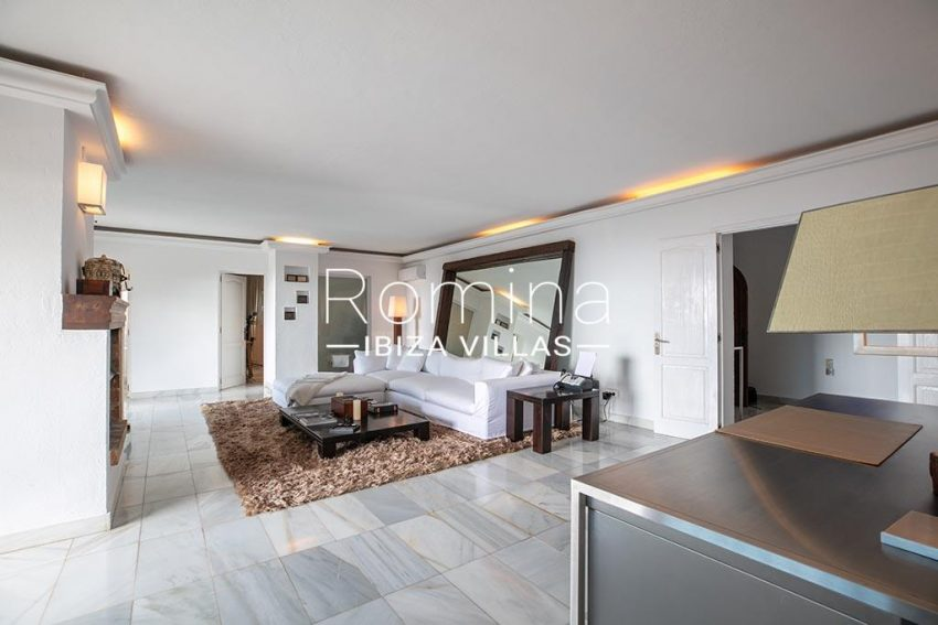 romina-ibiza-villas-rv-920-22-3living room