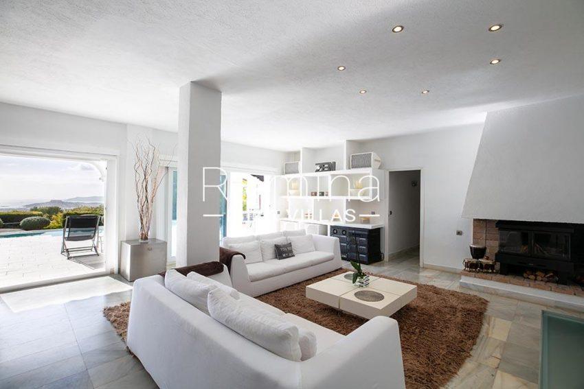 romina-ibiza-villas-rv-920-22-3living room pool level