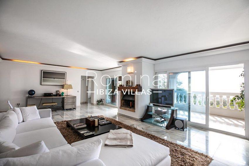 romina-ibiza-villas-rv-920-22-3living room terrace