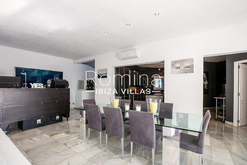 romina-ibiza-villas-rv-920-22-3zdining room