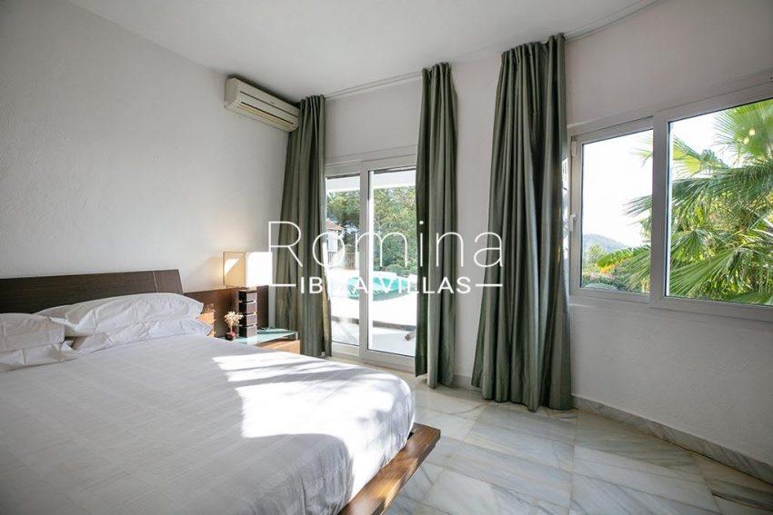 romina-ibiza-villas-rv-920-22-4bedroom4