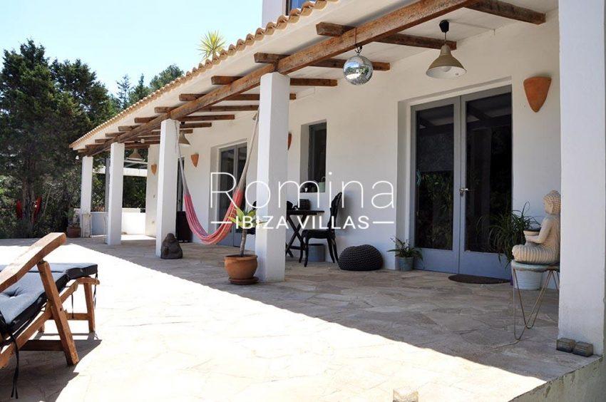 romina-ibiza-villas-rv-921-96-villa-patchwork-2porch terrace