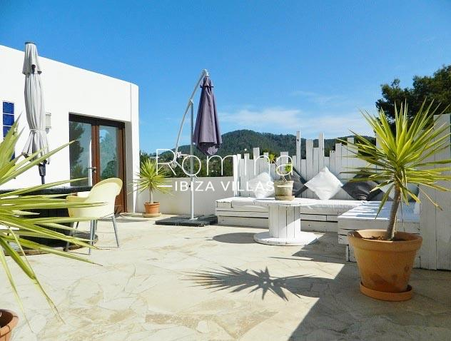 romina-ibiza-villas-rv-921-96-villa-patchwork-2terrace