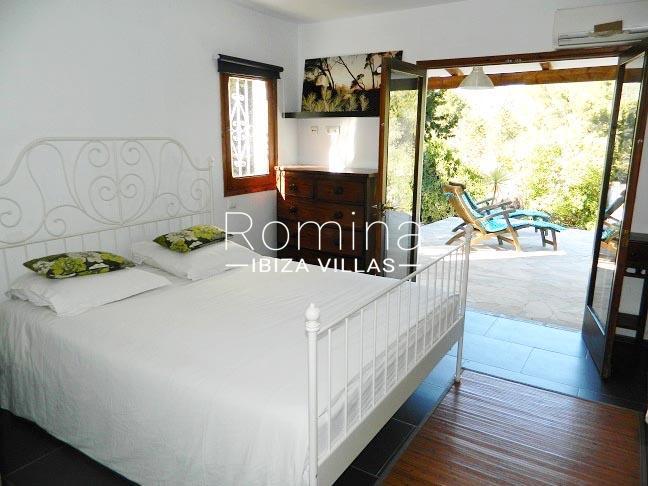romina-ibiza-villas-rv-921-96-villa-patchwork-4bedroom3 terrace