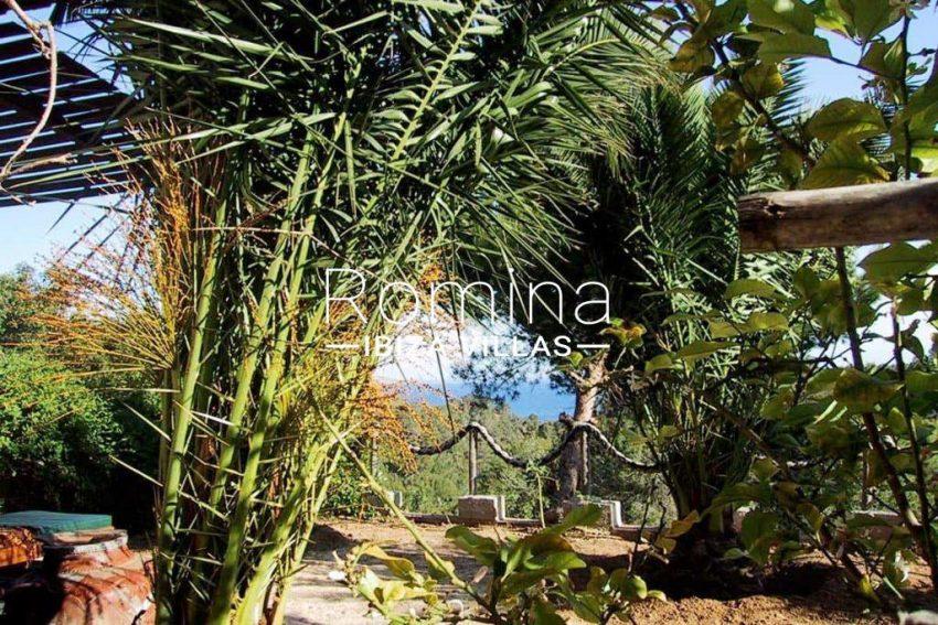 can-fusta-rv706-1garden-sea-view