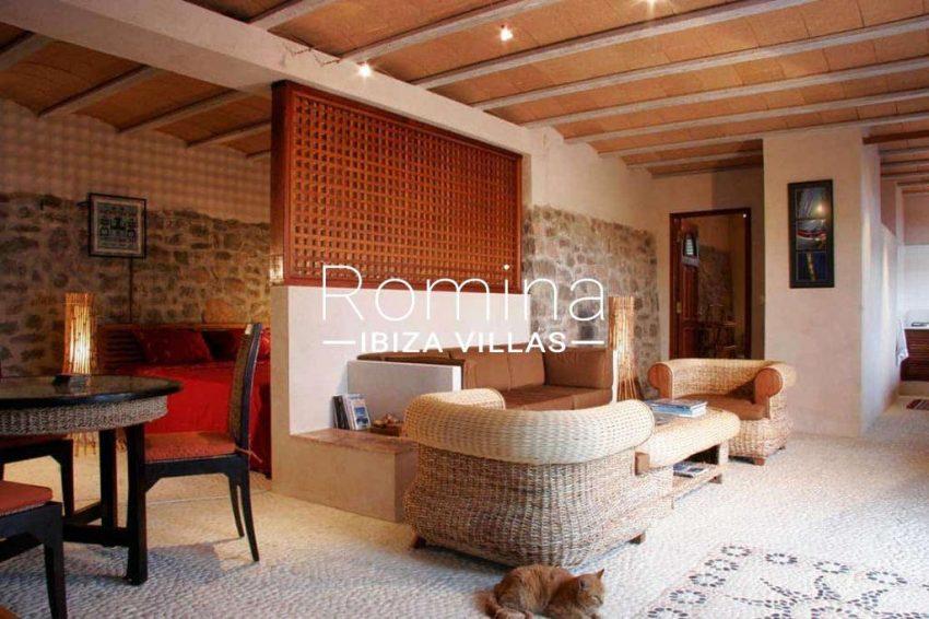 can-fusta-rv706-3living-room2