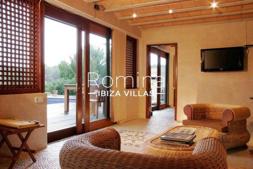 can-fusta-rv706-3living-room3