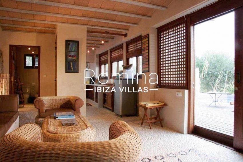 can-fusta-rv706-3living-room4-kitchen