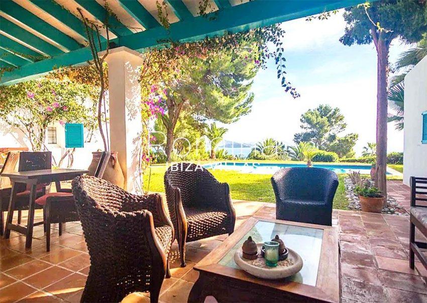 romina-ibiza-villas-rv-897-01-villa-mariola-1porch sitting area sea view
