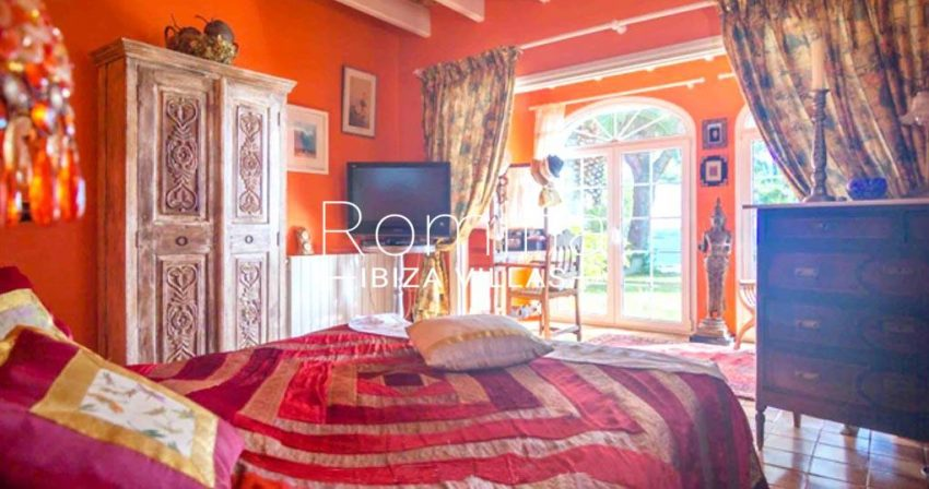 romina-ibiza-villas-rv-897-01-villa-mariola-4bedroom1bis