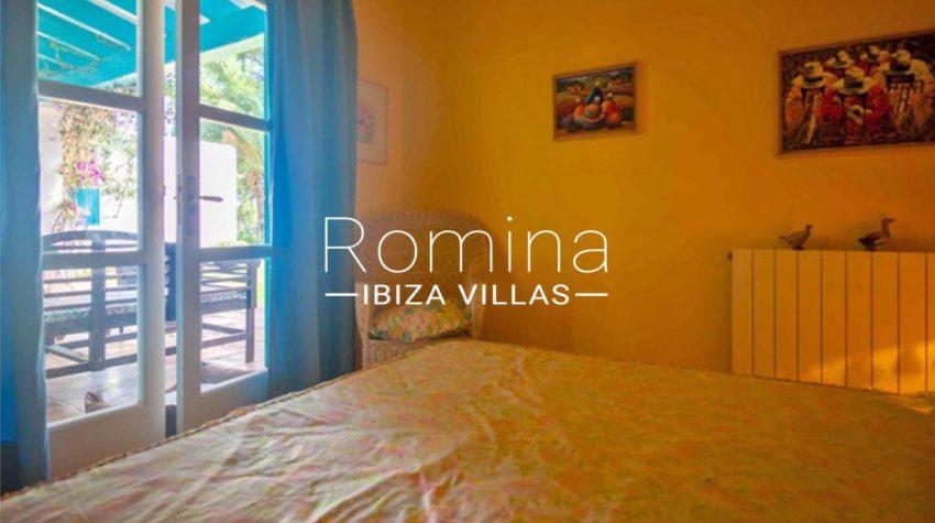 romina-ibiza-villas-rv-897-01-villa-mariola-4bedroom2