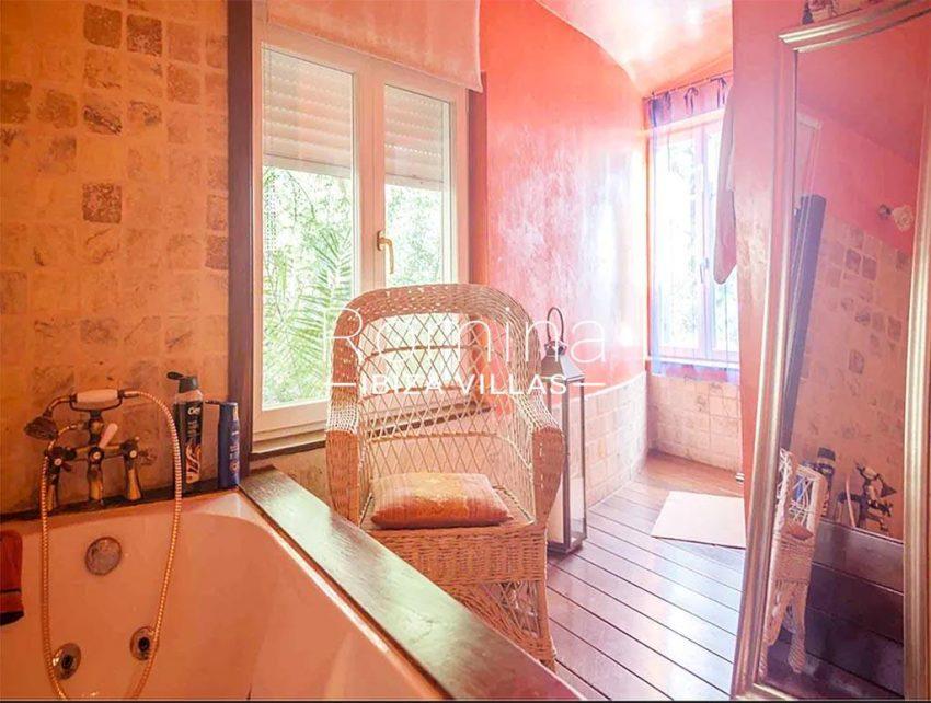 romina-ibiza-villas-rv-897-01-villa-mariola-5bathroom