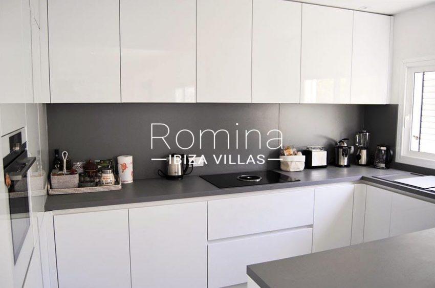 romina-ibiza-villas-rv-923-24-villa-banan-3zkitchen