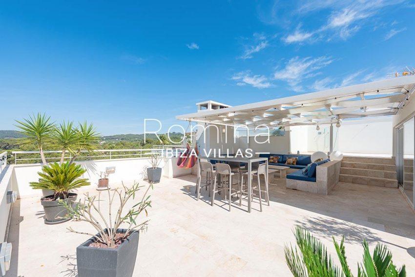 romina-ibiza-villas-rv-927-26-2rooftop terrace bar sitting area