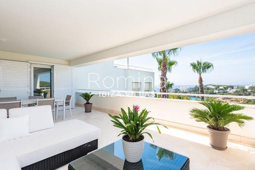 romina-ibiza-villas-rv-927-26-2terrace sittin dining area