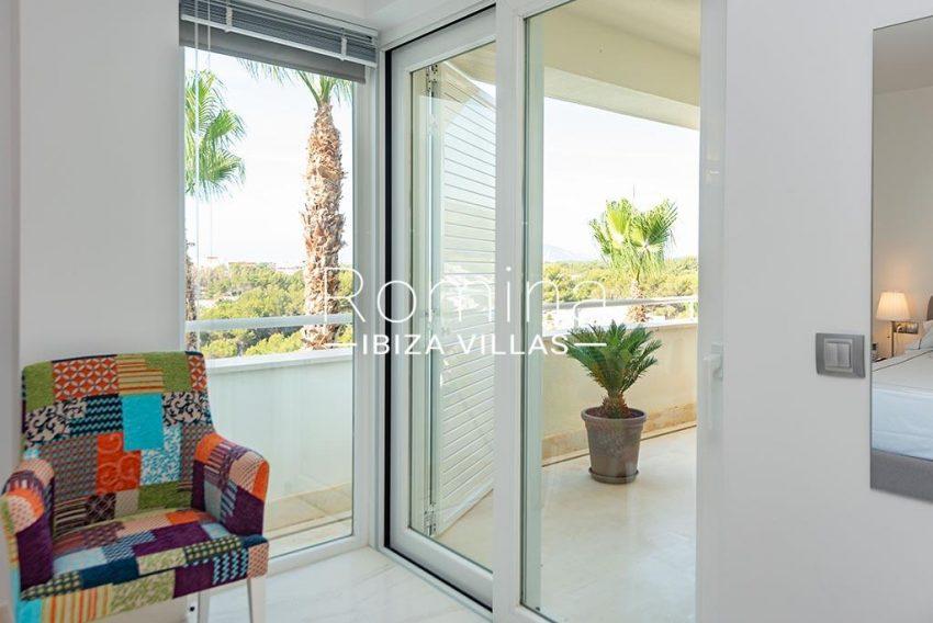 romina-ibiza-villas-rv-927-26-4bedroom wardrobe