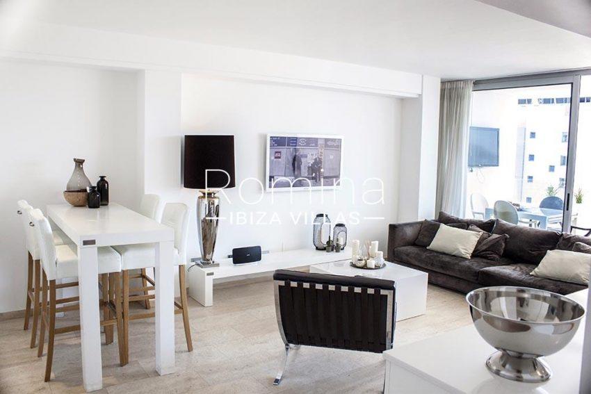 romina-ibiza-villas-rv-929-02-apto-calvin-3living dining room