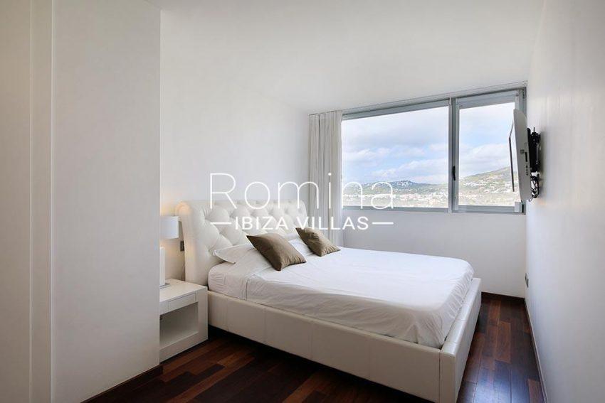 romina-ibiza-villas-rv-929-02-apto-calvin-4bedroom3