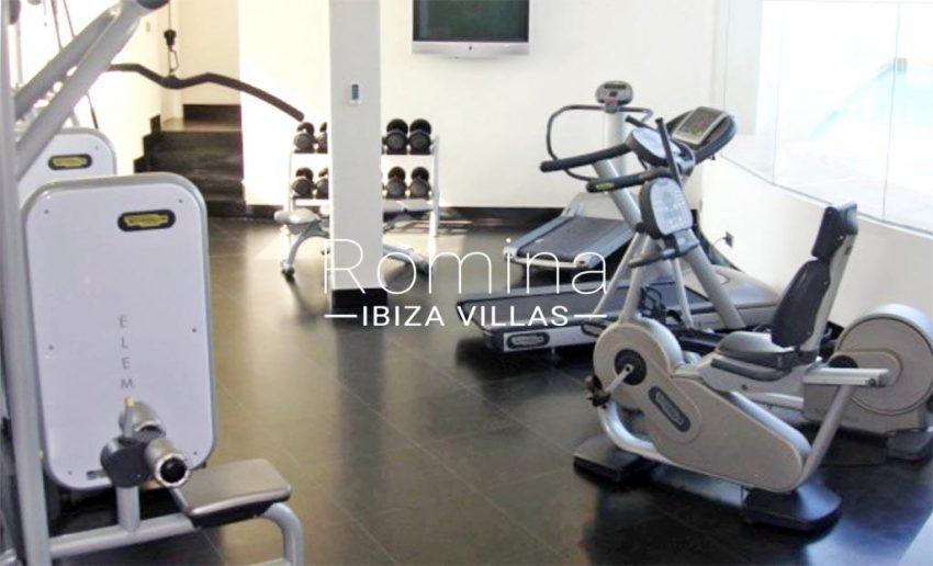 romina-ibiza-villas-rv-929-02-apto-calvin-6fitness room