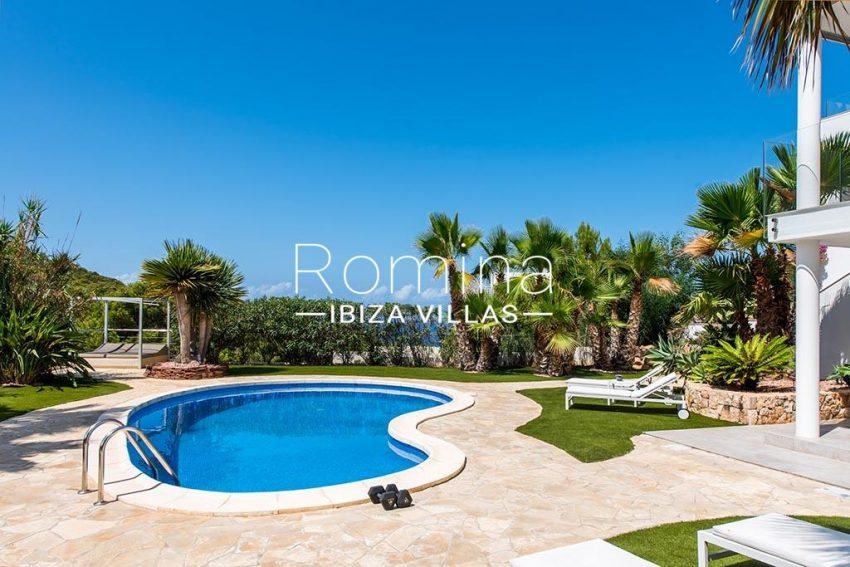 romina-ibiza-villas-rv-931-71-villa-cobra-2pool terrace