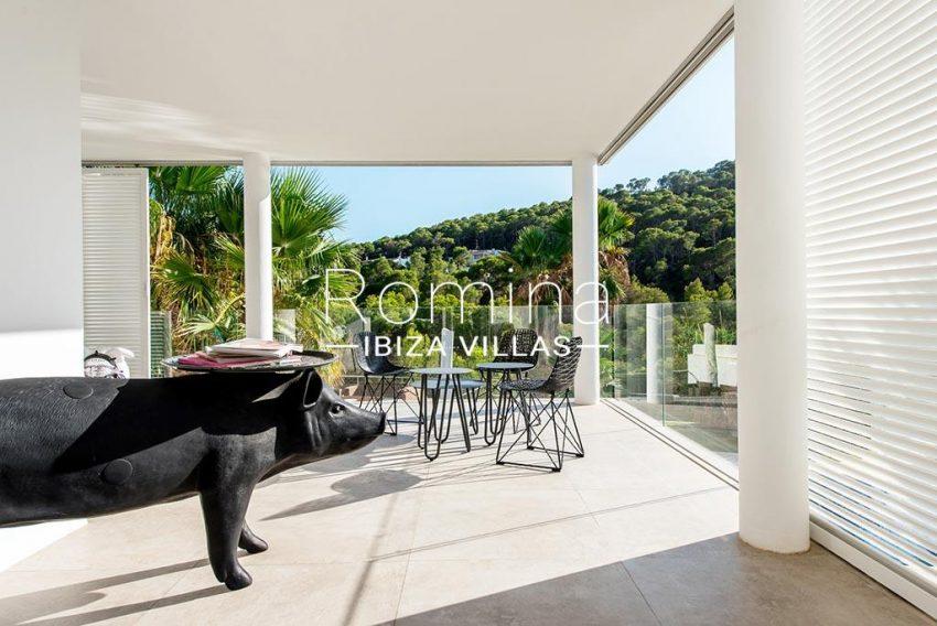 romina-ibiza-villas-rv-931-71-villa-cobra-2terrace dining area2