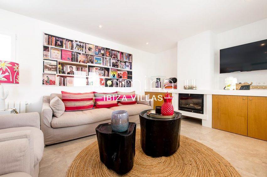 romina-ibiza-villas-rv-931-71-villa-cobra-3living room fireplace2