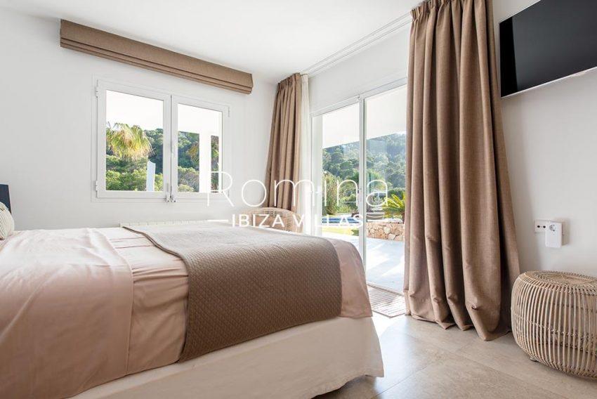 romina-ibiza-villas-rv-931-71-villa-cobra-4bedroom3 terrace