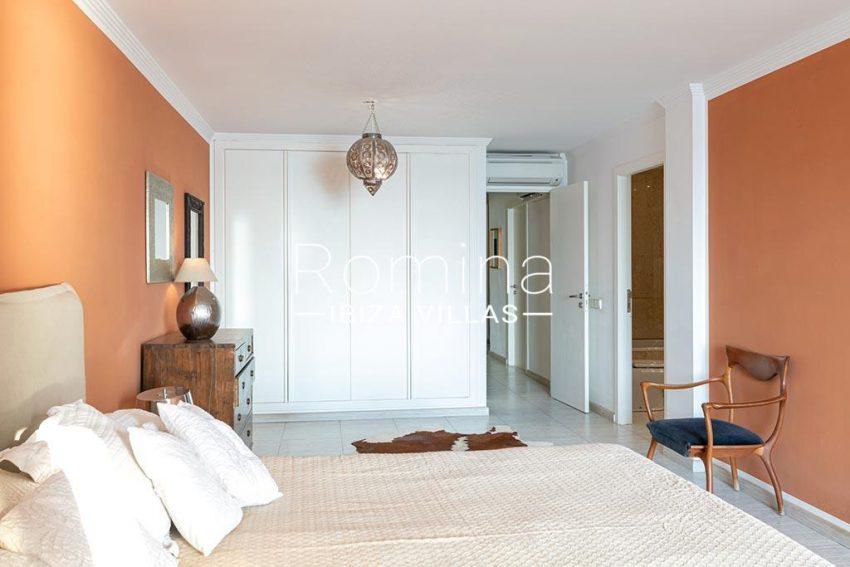 romina-ibiza-villas-rv-933-57-apto-calo-mar-4bedroom masterbis