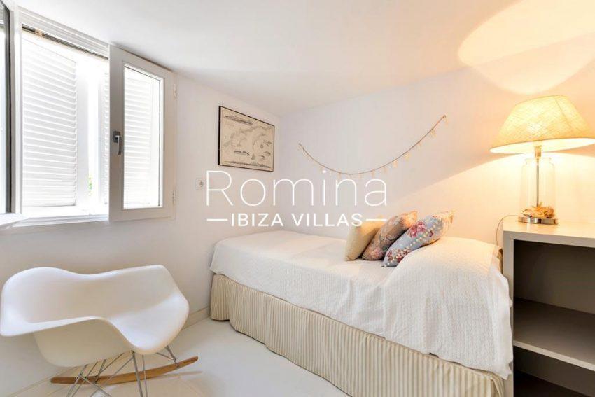 romina-ibiza-villas-rv-935-73-atico-goleta-4bedroom twin2
