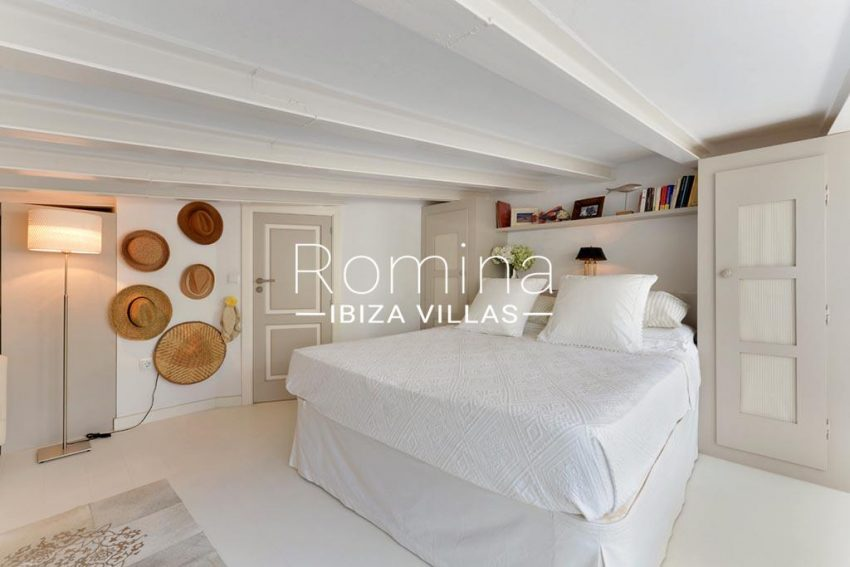 romina-ibiza-villas-rv-935-73-atico-goleta-4bedroom3