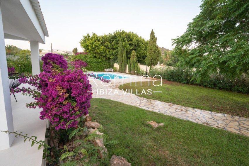 romina-ibiza-villas-rv-936-56-villa-hermone-2pool garden