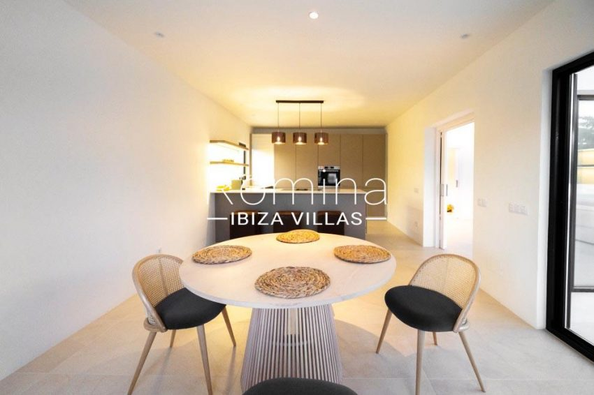 romina-ibiza-villas-rv-936-56-villa-hermone-3zdining area
