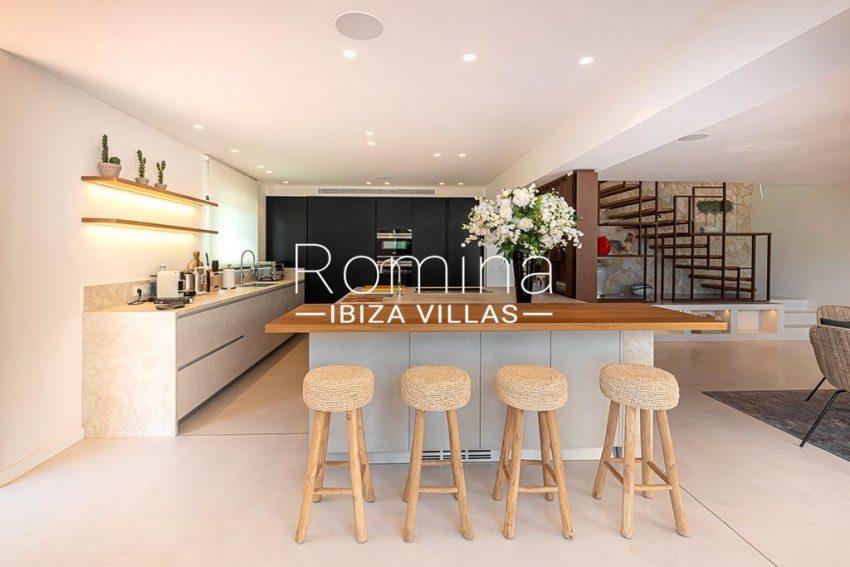 romina-ibiza-villas-rv-937-48-villa-malibu-3zkitchen